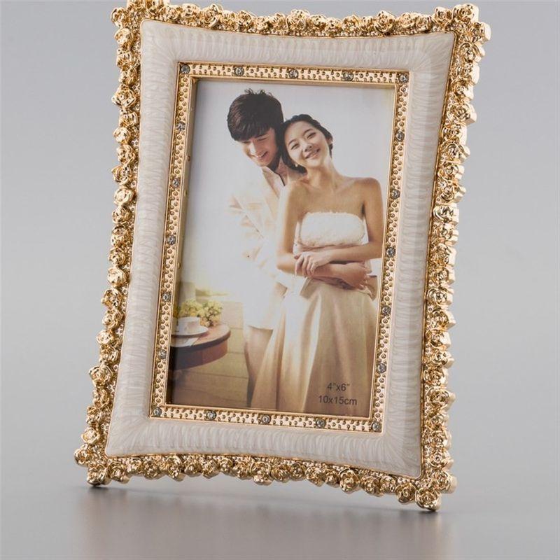 Porta Retrato Plástico Queen  20x25 – Rojemac
